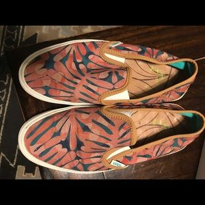Limited Edition Vans girls slip-ons size 7.5 palm